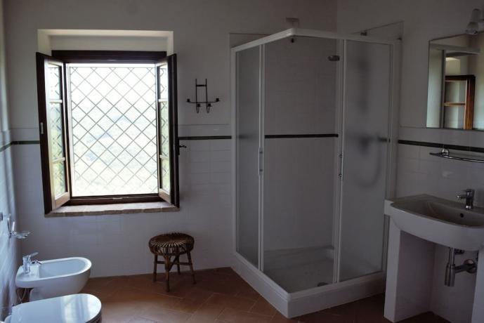 Dependance bagno box doccia borgo medievale Gualdo Cattaneo