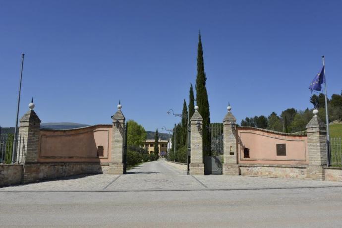Base per visitare maggiori località turistiche umbre