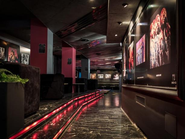 Lounge Dinner Bar