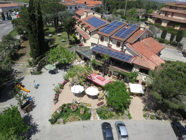 Veduta hotel con giardino a Chiusi