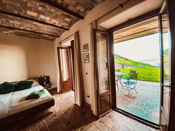 Camera matrimoniale grande terrazza Lago Trasimeno