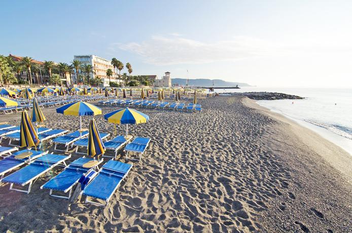 Spiaggia convenzionata Villaggio Residence a Loano