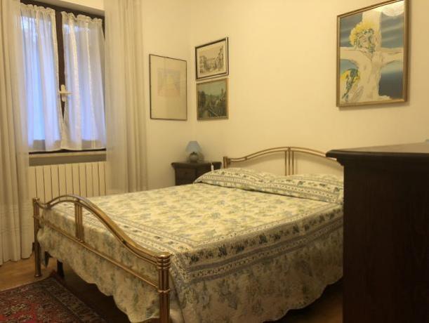 Camera Matrimoniale in villa Perugia per 10 persone