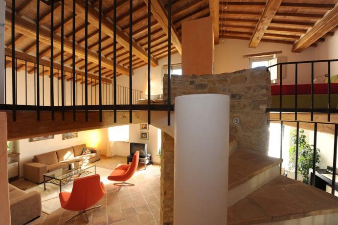 Villa Perugia con ampio salotto e mansarda