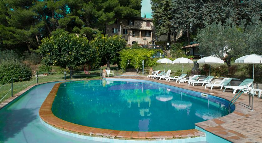 country house assisi ampia piscina