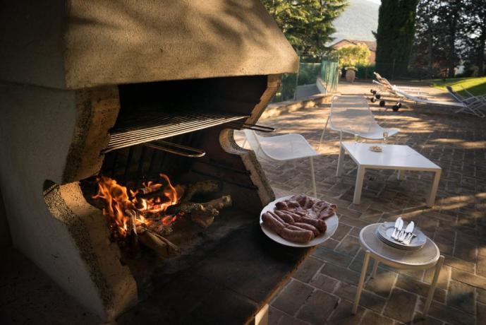 Barbecue a disposizione dei clienti ad Assisi