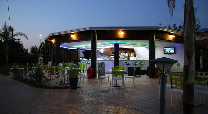 Bar bordo Piscina in Calabria