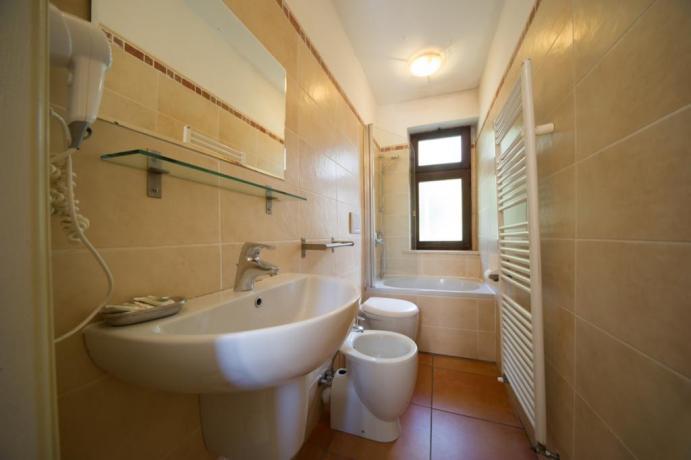 Bagno privato appartamento-vacanze Bardonecchia con asciugacapelli