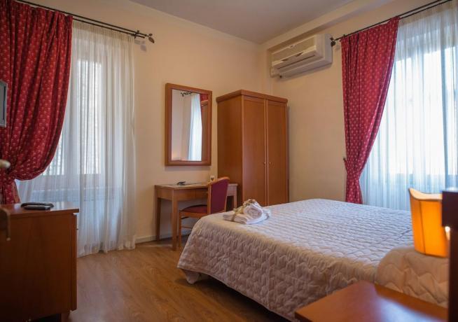 Affittacamere con camera matrimoniale vicino Assisi Stazione
