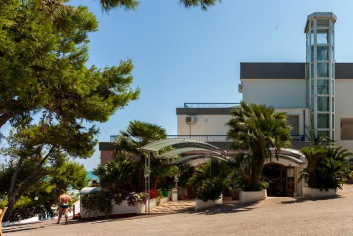 Hotel con ascensore sulla spiaggia Puglia