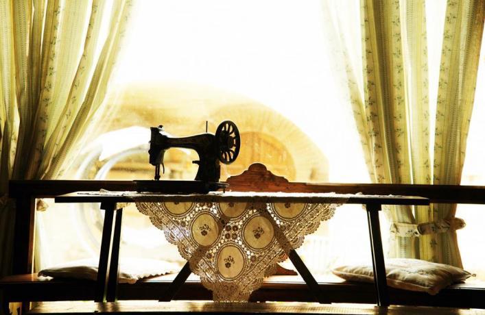 arredamento d'epoca, macchina da cucire
