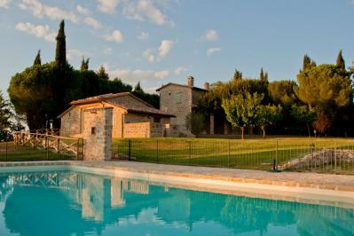 Appartamenti con piscina, ideale per ferie estive