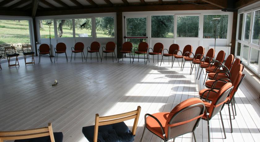 Grande salone per la pratica di attività