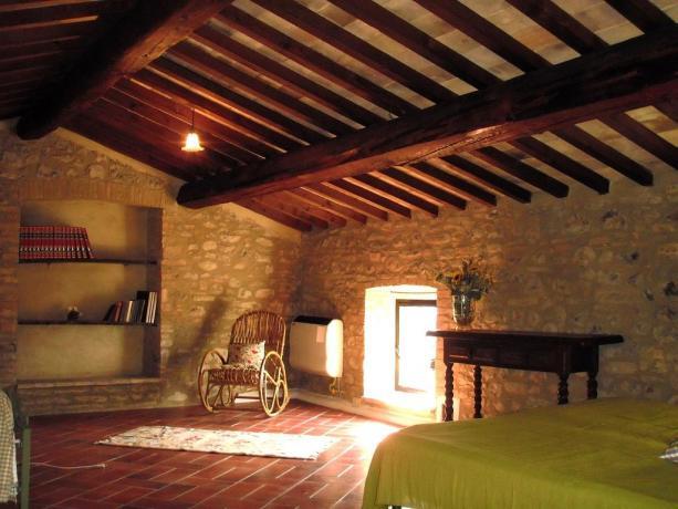 Camera da letto con riscaldamento autonomo a Umbertide
