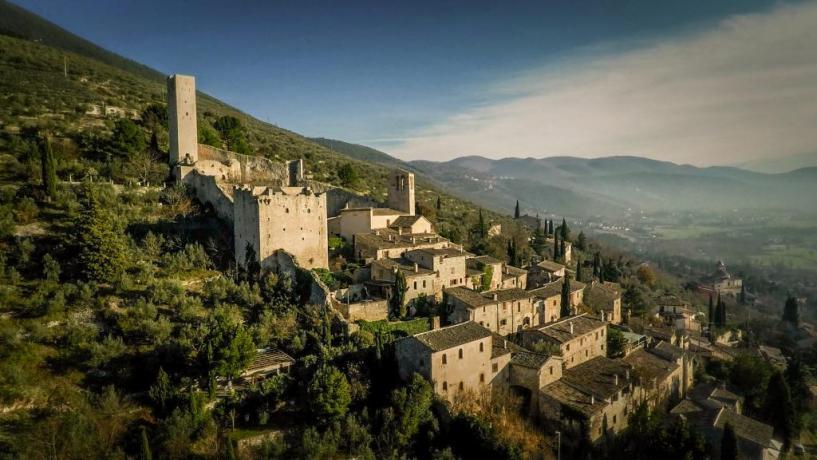 Borgo Sul Clitunno - Appartamenti in borgo-medievale Umbria