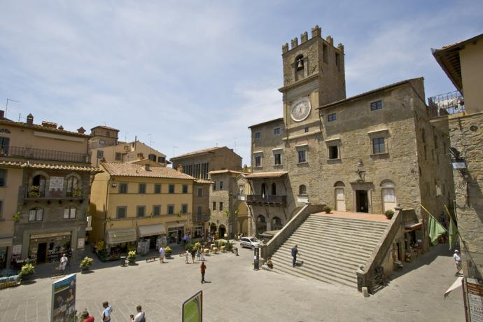 La piazza di Cortona