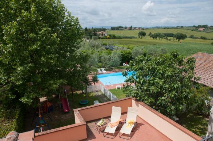 Appartamenti con piscina e giardino