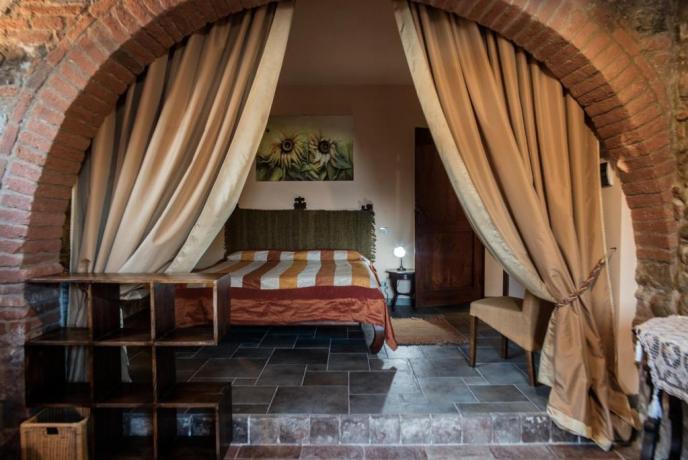 Camera matrimoniale con bagno privato villa Arezzo