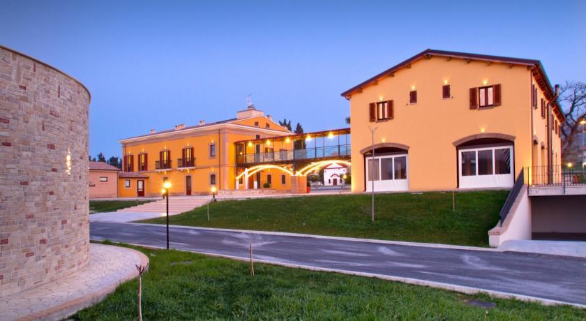 Camere e Ristorante vicino Mare Alba Adriatica