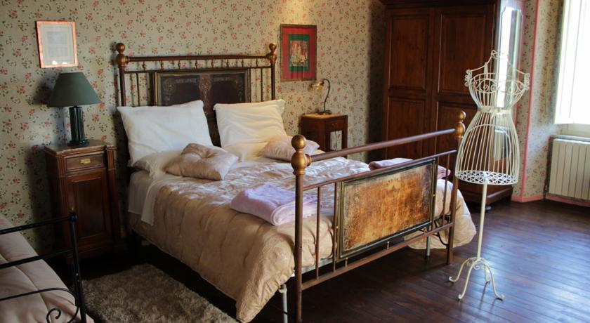 Camera da letto floreale
