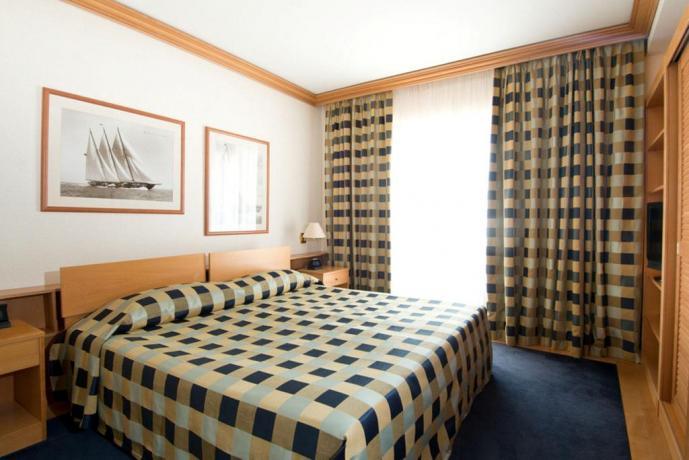 Camera Superior con servizi privati hotel di Vieste