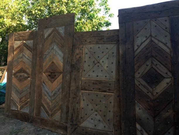 porte in legno antico su misura