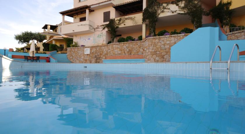 Residence con appartamenti e piscina