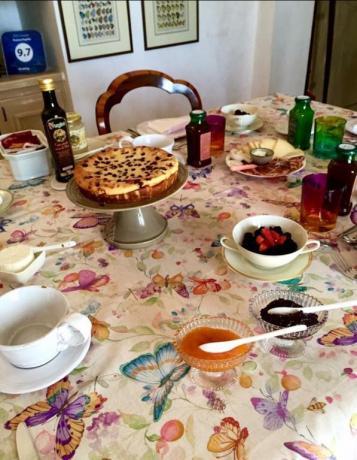 Ricca colazione in B&B nella Valle d'Itria