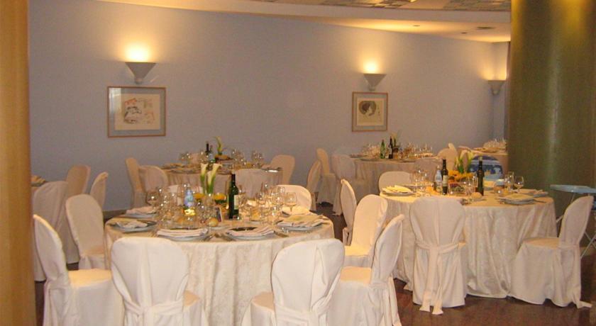 Hotel con ristorante per cerimonie a Terracina