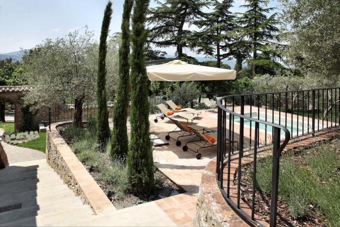 Idromassaggio esterno resort 5 stelle Umbria Perugia