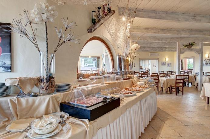 colazione intercontinentale in hotel lo smeraldo
