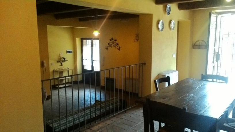 Appartamenti in Umbria con Balcone e Salone