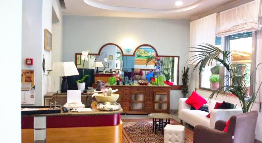A Rimini Hotel per famiglia: la hall