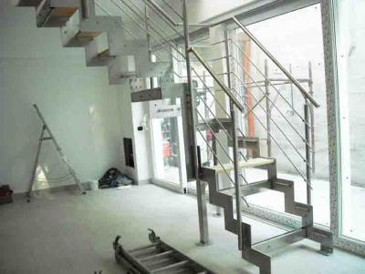 scala in acciaio inox gradini in legno