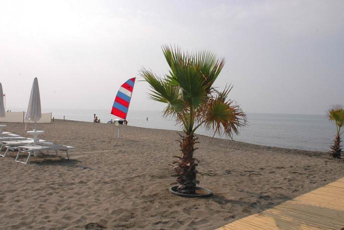 Hotel 4stelle sulla Spiaggia di Baia Domizia