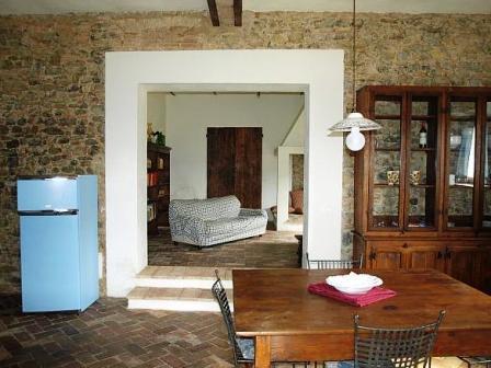 Appartamento con sala e divano a Umbertide