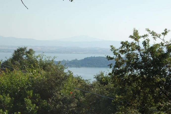 Casali con Vista sul Lago Trasimeno vicino Perugia