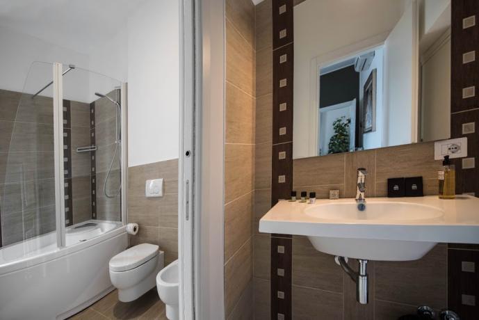 Bagno privato in camera con vasca idromassaggio