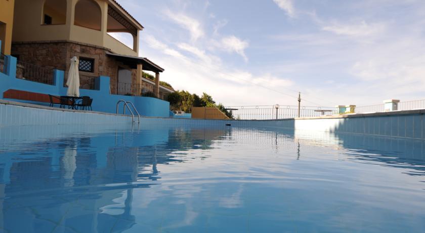 Residence con piscina in Sardegna