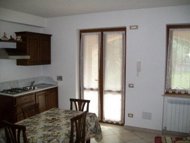 Appartamento Montefalco con soggiorno e cucina