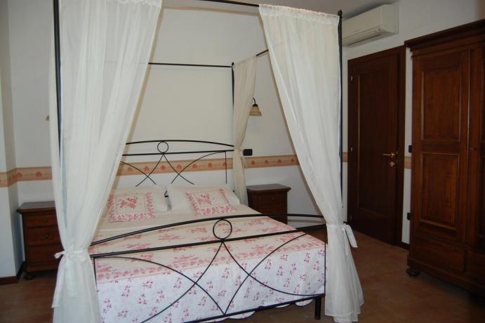 Casale per famiglie con letto a baldacchino Macerata