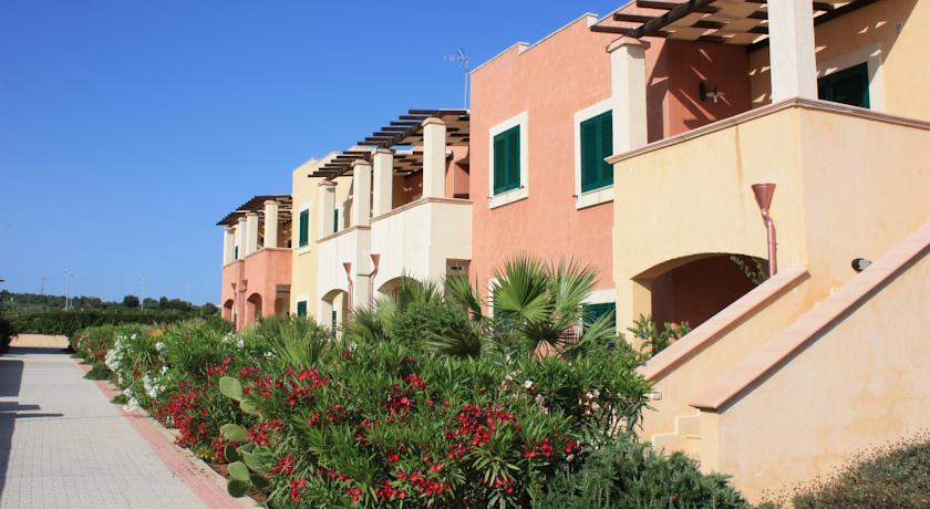 Residence con Ristorante Miniclub Piscina nel Salento