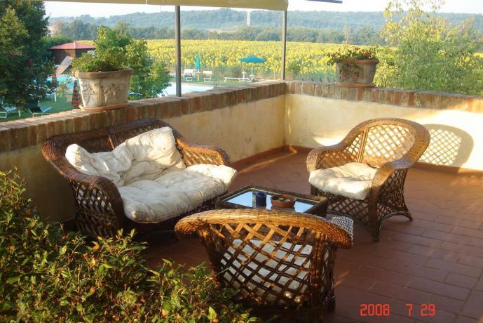 appartamento piscina soggiorno esterno