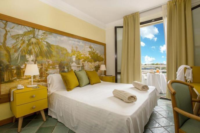 Camera panorama con terrazzo hotel4stelle Toscana
