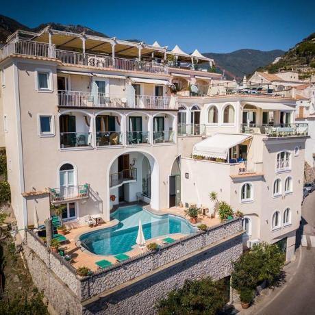 Hotel a Ravello con piscina esterna