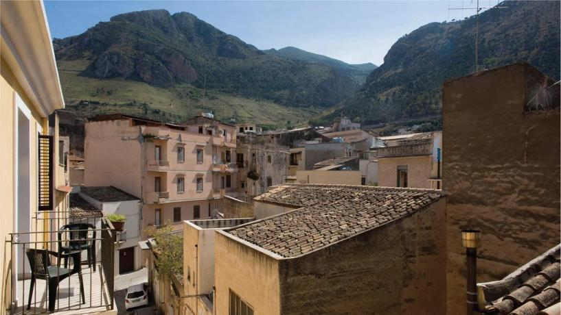 Camere tra Mare e Montagna con Balcone