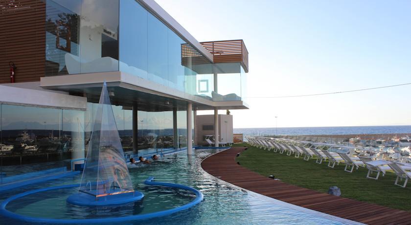 Resort con Piscina vista mare a Castellabate