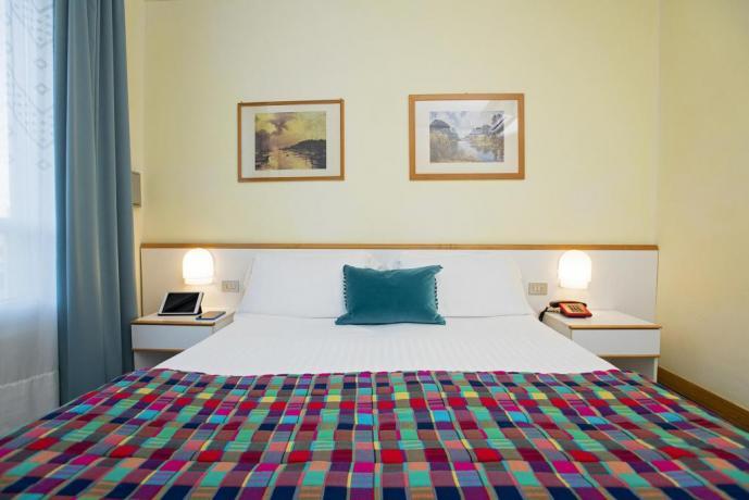 Camere standard hotel4stelle vicino al mare
