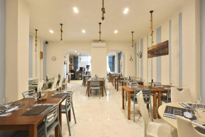 Sala hotel Lido di Camaiore vicino a spiaggia