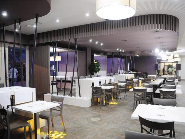 Sala bar con ristorante hotel 4stelle Battipaglia-Salerno